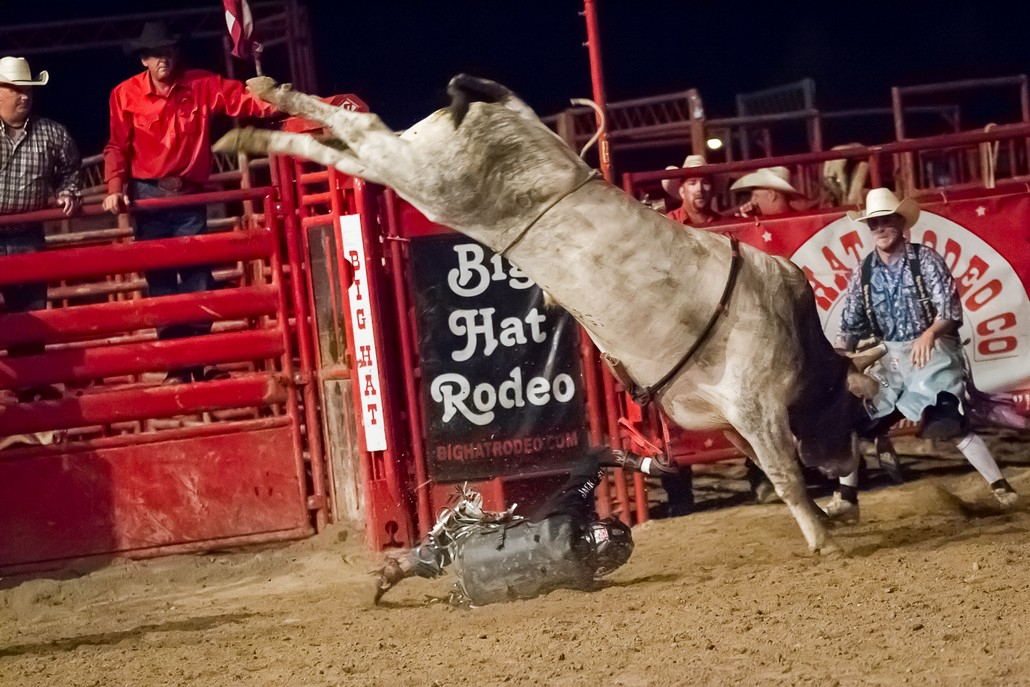Bronc Amp Bull Riding Big Hat Rodeo Co Pro Rodeos